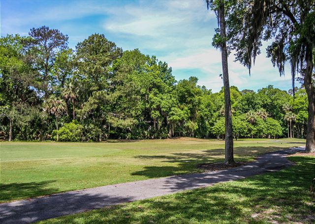 Evian 109, Updated 2 Bedrooms, Pool, Tennis, Sleeps 6 - Golf Course  - HiltonHeadRentals.com