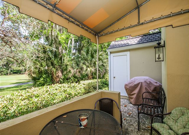 Evian 109, Updated 2 Bedrooms, Pool, Tennis, Sleeps 6 - Are you a Grill Master? - HiltonHeadRentals.com