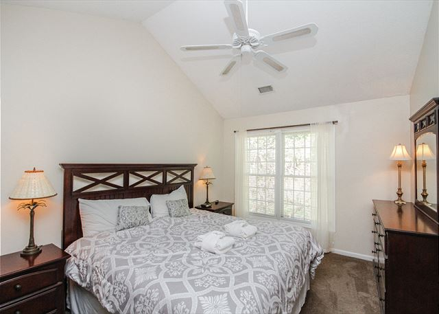 Evian 109, Updated 2 Bedrooms, Pool, Tennis, Sleeps 6 - Master Bedroom - HiltonHeadRentals.com