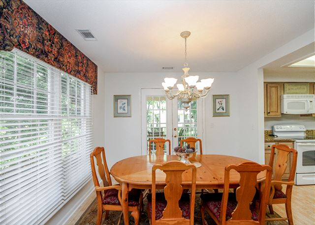 Evian 123, 2 Bedrooms, Lagoon View, Pool, Sleeps 6 - Dine with a view!  - HiltonHeadRentals.com