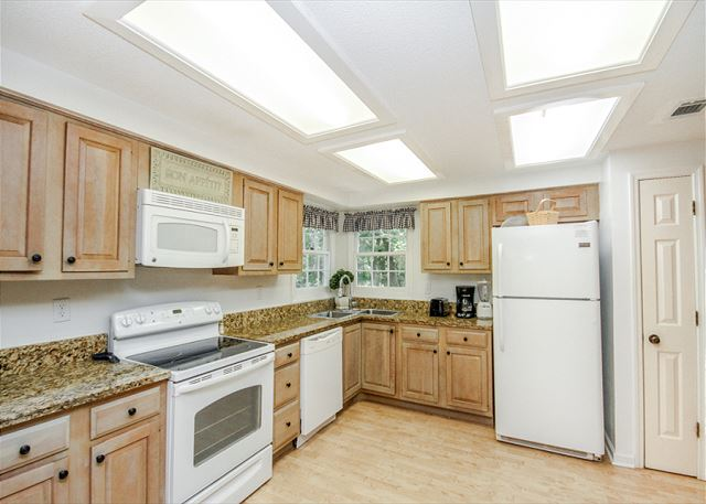 Evian 123, 2 Bedrooms, Lagoon View, Pool, Sleeps 6 - Kitchen - HiltonHeadRentals.com