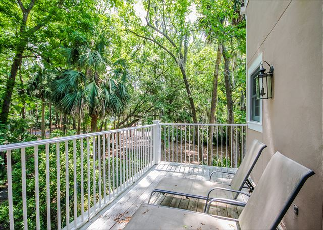 Evian 123, 2 Bedrooms, Lagoon View, Pool, Sleeps 6 - Lounge and Catch Some Rays - HiltonHeadRentals.com