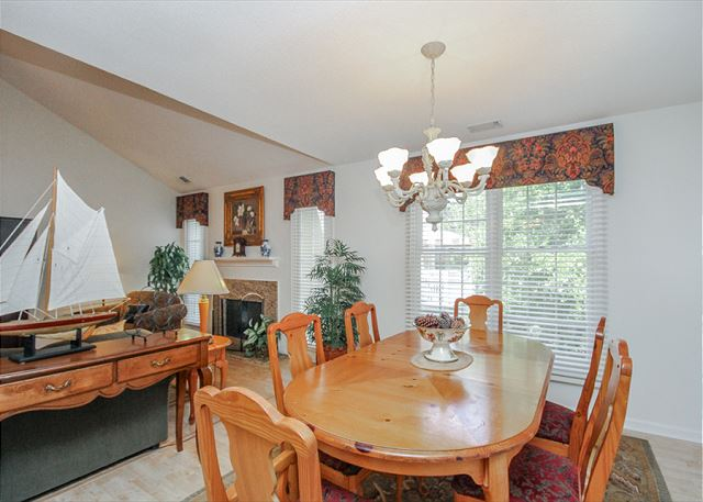 Evian 123, 2 Bedrooms, Lagoon View, Pool, Sleeps 6 - Family Meal Time - HiltonHeadRentals.com