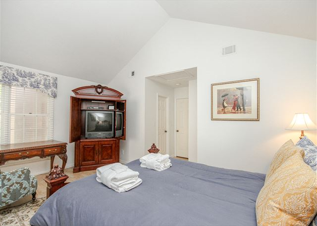 Evian 123, 2 Bedrooms, Lagoon View, Pool, Sleeps 6 - Bedroom - HiltonHeadRentals.com
