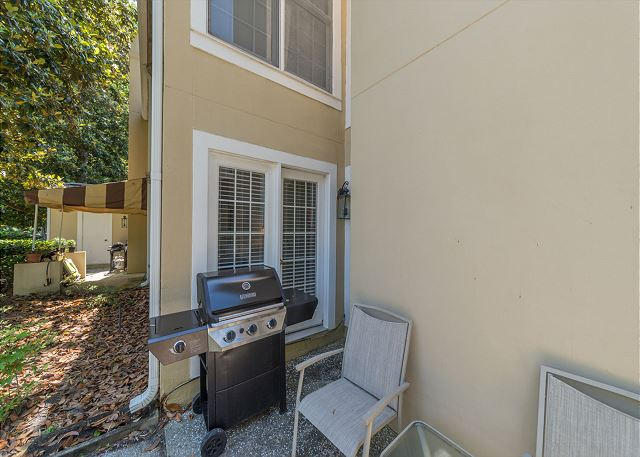 Evian 298, Ground Floor, 2 Bedrooms, Pool, Sleeps 8 - Bring the family together for a cookout! - HiltonHeadRentals.com