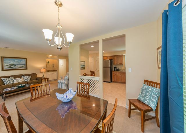 Evian 298, Ground Floor, 2 Bedrooms, Pool, Sleeps 8 - Family Meal Time - HiltonHeadRentals.com