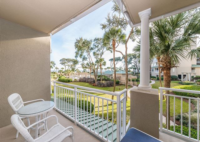 Hampton 6104, 1 Bedroom, Oceanfront View, Large Pool, Sleeps 4 Picture