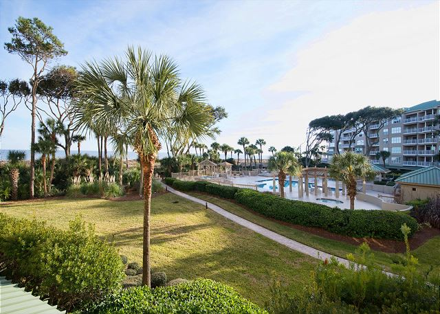 Hampton 6107, 2 Bedroom, Oceanfront View, Large Pool, Sleeps 6 - Community Pool - HiltonHeadRentals.com