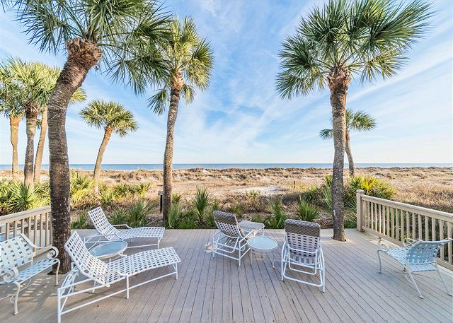 Hampton 6107, 2 Bedroom, Oceanfront View, Large Pool, Sleeps 6 - Enjoy the beautiful beach - HiltonHeadRentals.com