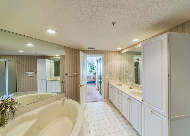 Hampton 6107, 2 Bedroom, Oceanfront View, Large Pool, Sleeps 6 - Start Your Day Right - HiltonHeadRentals.com