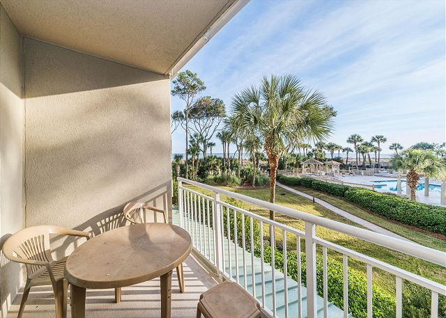 Hampton 6107, 2 Bedroom, Oceanfront View, Large Pool, Sleeps 6 -  - HiltonHeadRentals.com
