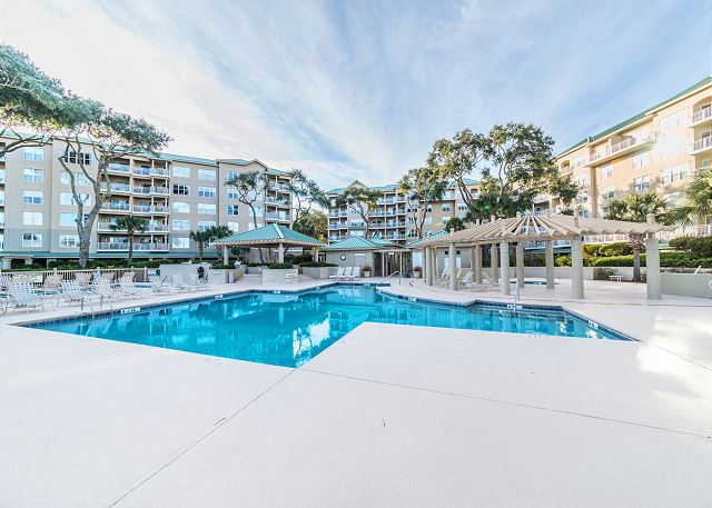 Hampton 6508, 3 Bedroom, Ocean Front View, Ocean Pool & Hot Tub - Come In, the Water's Fine - HiltonHeadRentals.com