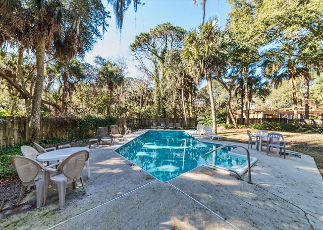 Hickory Lane 1, 6 Bedroom, Private Pool, Near Beach, Sleep 21 - Pool Area - HiltonHeadRentals.com