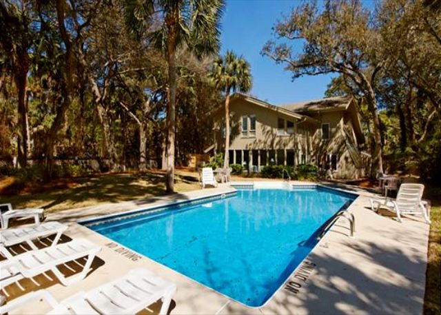 Hickory Lane 1, 6 Bedroom, Private Pool, Near Beach, Sleep 21 - 24/7 Private Pool Access - HiltonHeadRentals.com