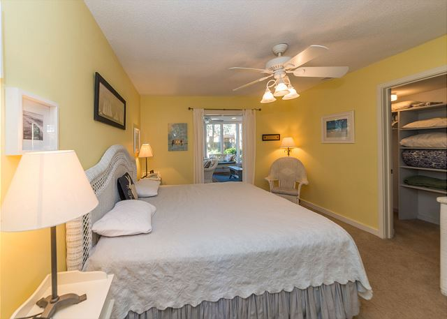 Hickory Lane 1, 6 Bedroom, Private Pool, Near Beach, Sleep 21 - Master Bedroom - HiltonHeadRentals.com