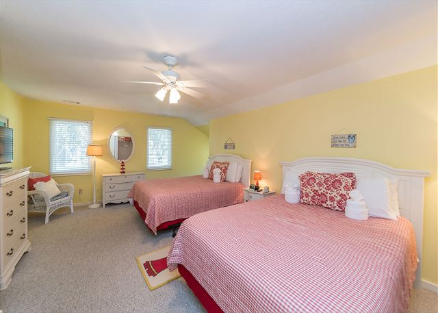 Hickory Lane 1, 6 Bedroom, Private Pool, Near Beach, Sleep 21 - Bedroom - HiltonHeadRentals.com
