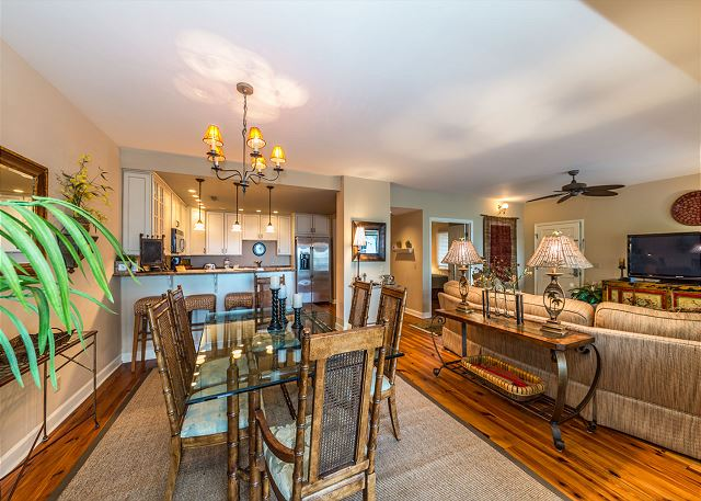 Harbour South 1103, 3 Bedroom, Golf View, Pool, Tennis, Sleeps 6 - Family Meal Time - HiltonHeadRentals.com