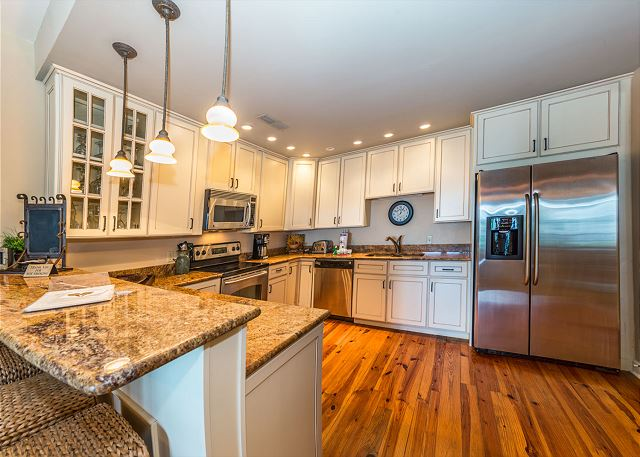 Harbour South 1103, 3 Bedroom, Golf View, Pool, Tennis, Sleeps 6 - Fully Equipped Kitchen - HiltonHeadRentals.com