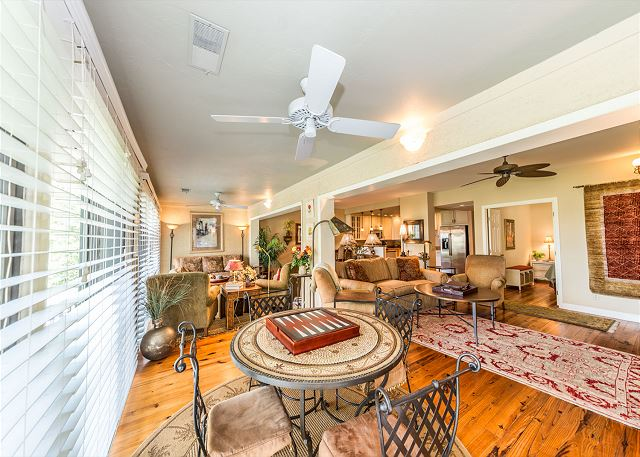 Harbour South 1103, 3 Bedroom, Golf View, Pool, Tennis, Sleeps 6 - Game Table - HiltonHeadRentals.com