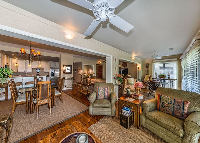 Harbour South 1103, 3 Bedroom, Golf View, Pool, Tennis, Sleeps 6 - Living Room - HiltonHeadRentals.com