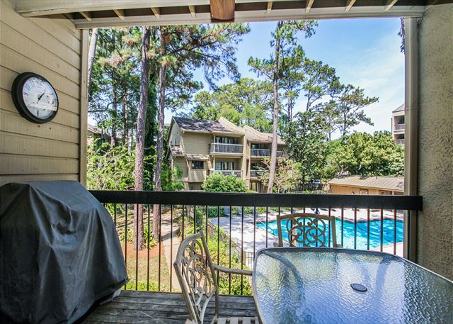 Harbour South 1109, 3 Bedroom, 4 Bathroom, Large Pool, Sleeps 13 - Are you a grill master? - HiltonHeadRentals.com