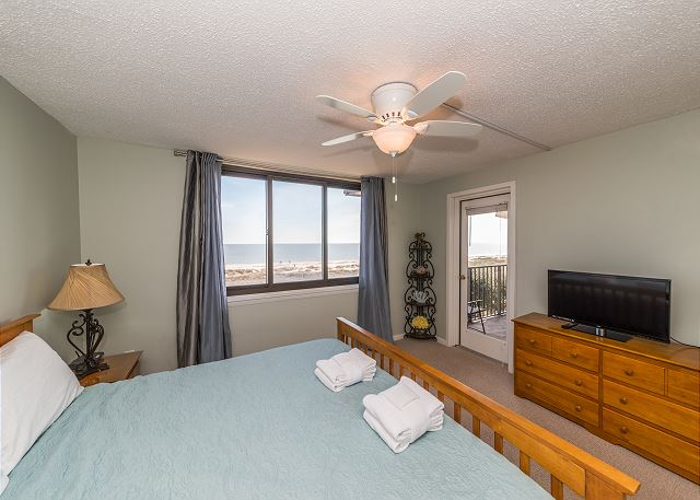 Island Club 5402, 2 Bedroom, OceanFront, Large Pool, Sleeps 8 - Master Bedroom View - HiltonHeadRentals.com