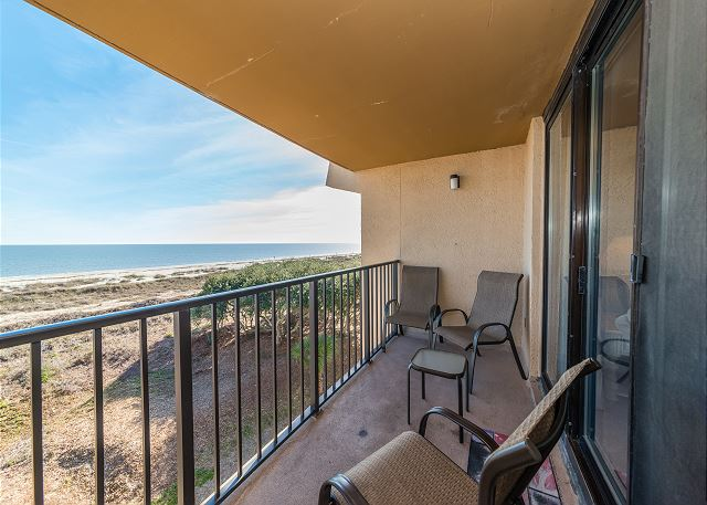 Island Club 5402, 2 Bedroom, OceanFront, Large Pool, Sleeps 8 - Relax In The Shade - HiltonHeadRentals.com