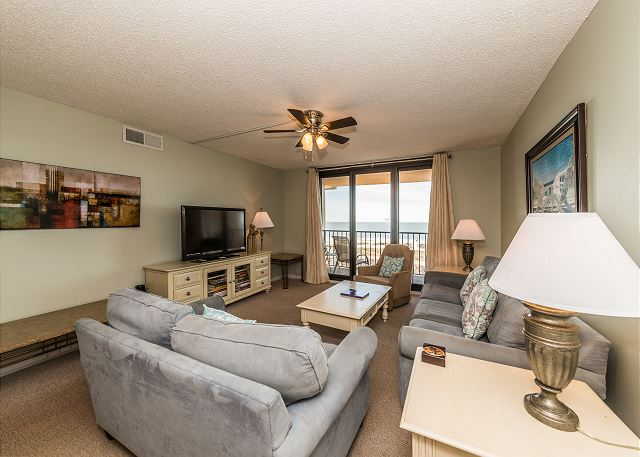 Island Club 5402, 2 Bedroom, OceanFront, Large Pool, Sleeps 8 - Perfect Family Accommodation - HiltonHeadRentals.com