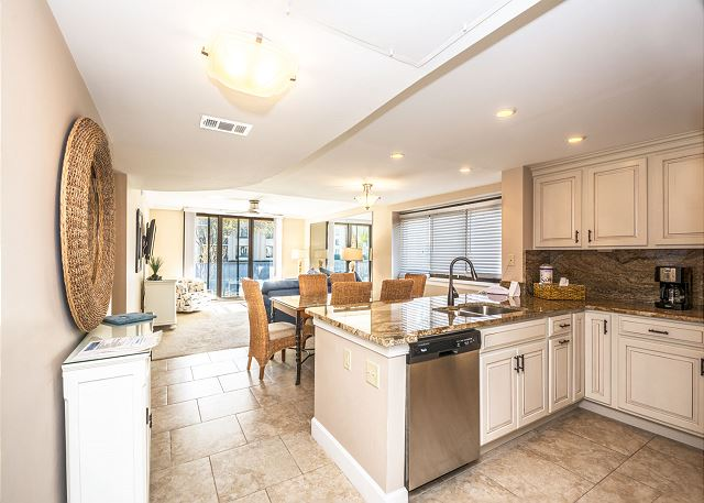 Island Club 6106, 2 Bedrooms, Lagoon View, Large Pool, Hot Tub - Open kitchen plan - HiltonHeadRentals.com