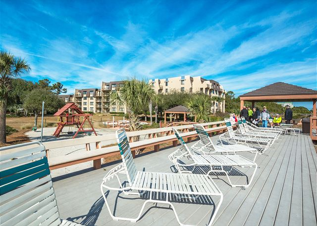 Island Club 6106, 2 Bedrooms, Lagoon View, Large Pool, Hot Tub - Want to work on your tan? - HiltonHeadRentals.com