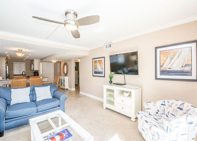 Island Club 6106, 2 Bedrooms, Lagoon View, Large Pool, Hot Tub - Cozy seating - HiltonHeadRentals.com
