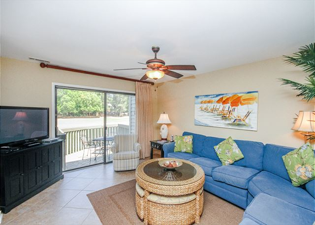Inland Harbour 2429, 2 Bedrooms, Golf View, Pool, Sleeps 8 - Make Inland Harbour 2429 your vacation destination! - HiltonHeadRentals.com