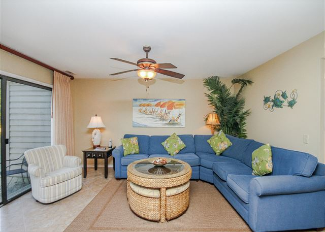 Inland Harbour 2429, 2 Bedrooms, Golf View, Pool, Sleeps 8 - Living Area - HiltonHeadRentals.com