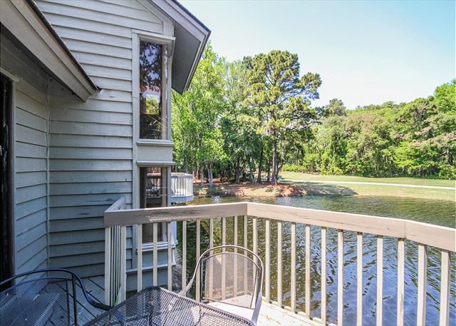 Inland Harbour 2429, 2 Bedrooms, Golf View, Pool, Sleeps 8 - Enjoy the view! - HiltonHeadRentals.com