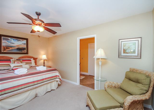 Inland Harbour 2429, 2 Bedrooms, Golf View, Pool, Sleeps 8 - Master Bedroom - HiltonHeadRentals.com