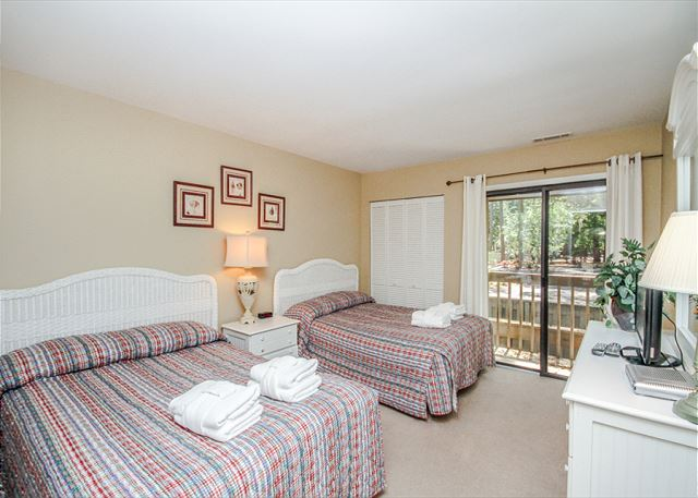 Inland Harbour 2429, 2 Bedrooms, Golf View, Pool, Sleeps 8 - Comfortable Sleeping - HiltonHeadRentals.com