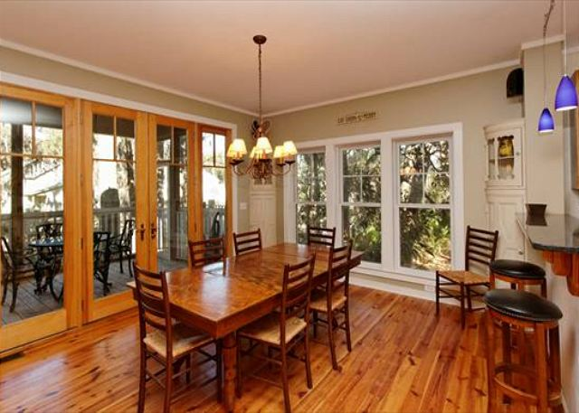 Lagoon Road 29, 4 Bedroom, Wooded View, Close to Beach Sleeps 10 - Family Meal Time - HiltonHeadRentals.com