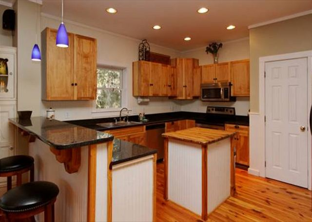 Lagoon Road 29, 4 Bedroom, Wooded View, Close to Beach Sleeps 10 - The huge gourmet kitchen is a foodie's dream come true! - HiltonHeadRentals.com