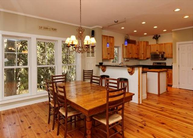 Lagoon Road 29, 4 Bedroom, Wooded View, Close to Beach Sleeps 10 - Slow Things Down and Enjoy a Family Meal - HiltonHeadRentals.com