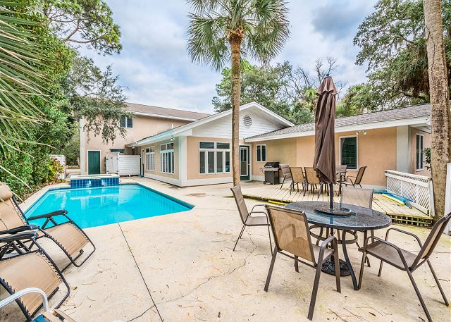 Myrtle Lane 1, 5 Bedroom, Private Heated Pool & Spa, Sleeps 12 - Pool area - HiltonHeadRentals.com
