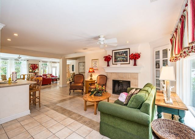 Myrtle Lane 1, 5 Bedroom, Private Heated Pool & Spa, Sleeps 12 - Living Room - HiltonHeadRentals.com
