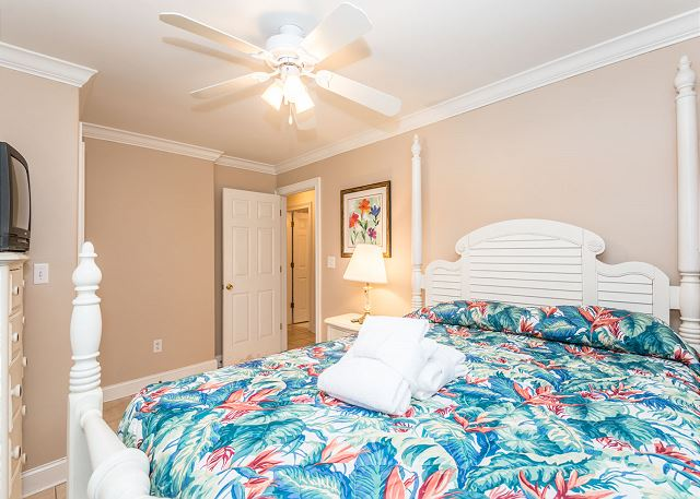 Myrtle Lane 1, 5 Bedroom, Private Heated Pool & Spa, Sleeps 12 - First  floor third bedroom - HiltonHeadRentals.com