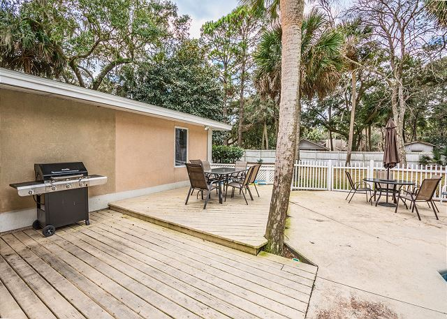 Myrtle Lane 1, 5 Bedroom, Private Heated Pool & Spa, Sleeps 12 - Grill area - HiltonHeadRentals.com