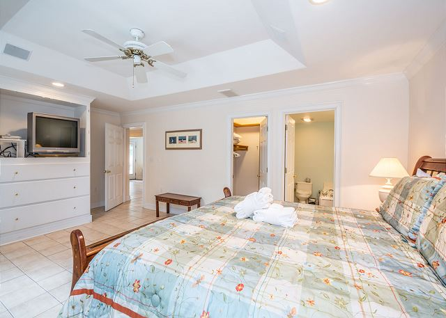 Myrtle Lane 1, 5 Bedroom, Private Heated Pool & Spa, Sleeps 12 - Master Bedroom - HiltonHeadRentals.com
