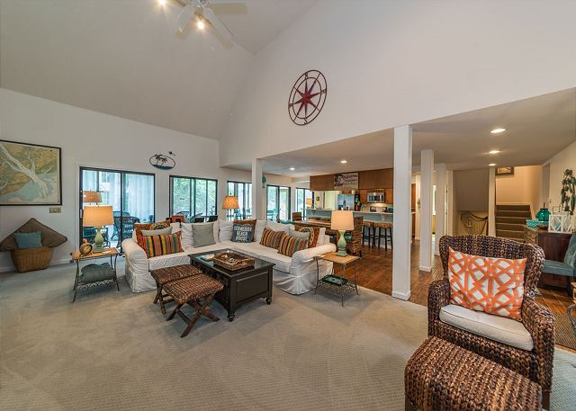 North Sea Pines Drive 23, 4 Bedroom, Private Pool, Sleeps 12 - Spacious Living Area - HiltonHeadRentals.com