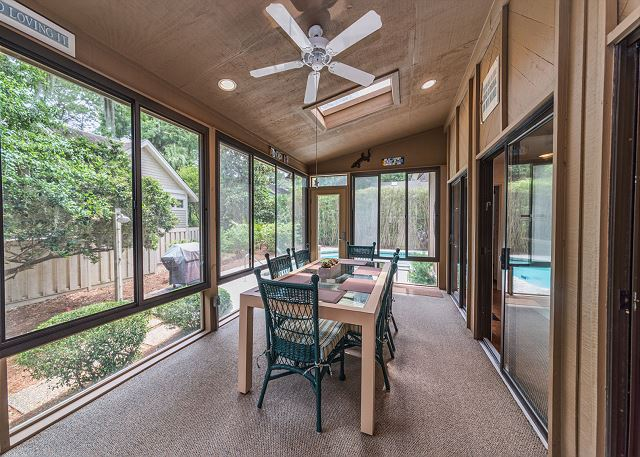 North Sea Pines Drive 23, 4 Bedroom, Private Pool, Sleeps 12 - Carolina Room Dining  - HiltonHeadRentals.com