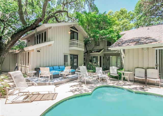 North Sea Pines Drive 70, 6 bedroom, Private Pool, Sleeps 16 - Private Pool - HiltonHeadRentals.com
