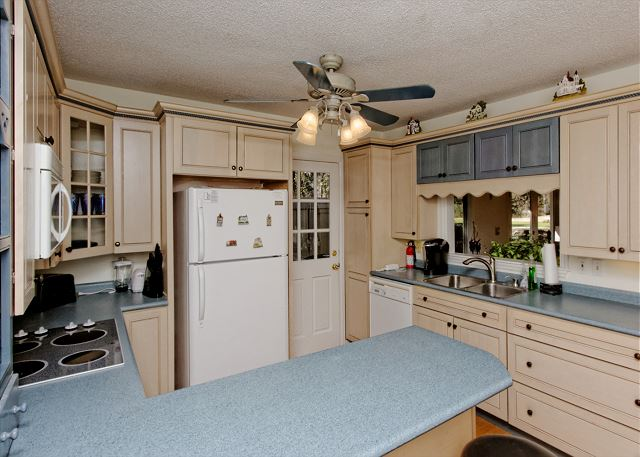 Port Au Prince 12, 3 Bedroom, Private Pool, Sleeps 8 - Fully Equipped Kitchen - HiltonHeadRentals.com