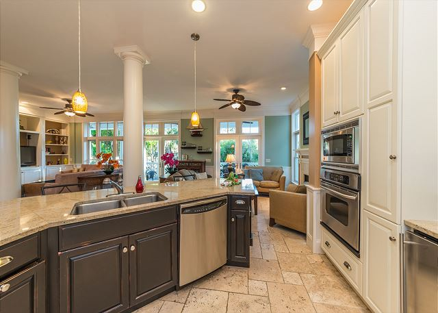 Roadrunner 2, 6 Bedrooms, Private Pool, Spa, OceanView, Elevator - Cook With Ease - HiltonHeadRentals.com