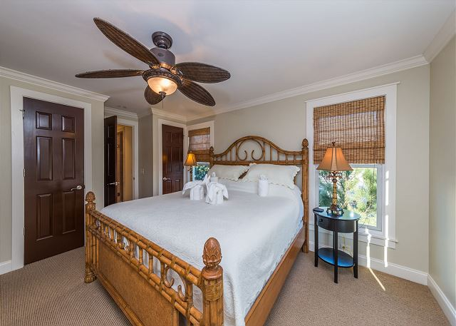 Roadrunner 2, 6 Bedrooms, Private Pool, Spa, OceanView, Elevator - The Master Suite Is A Dreamy Retreat - HiltonHeadRentals.com
